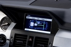 Hybrid-Display des Mercedes GLK Bluetec Hybrid 2008